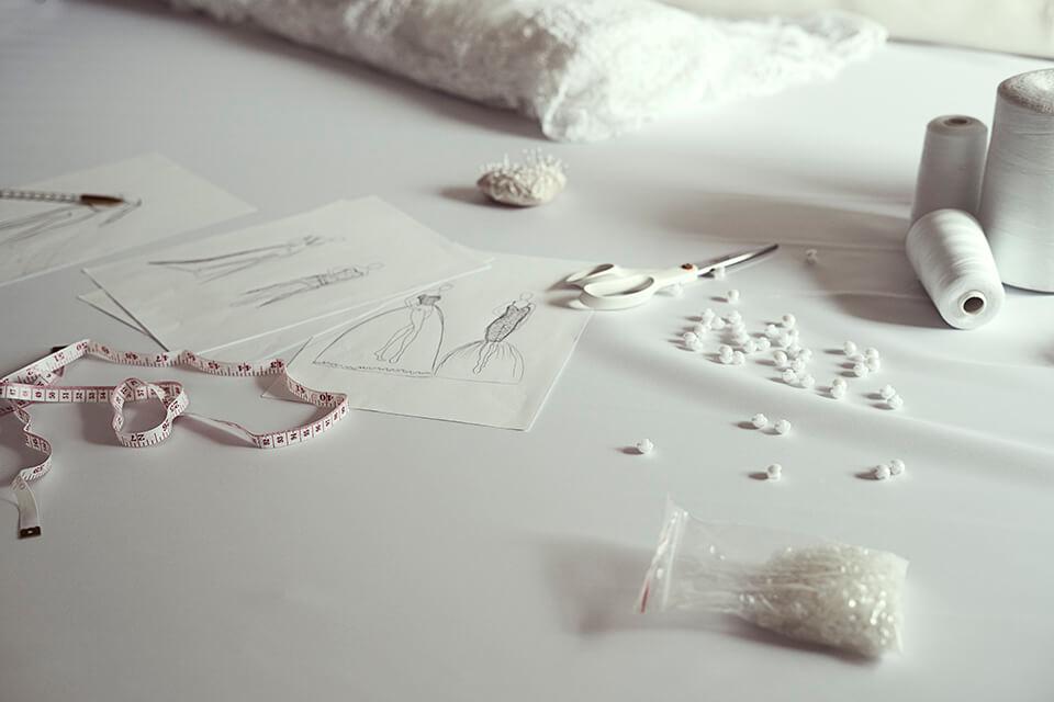 Projektantka sukien ślubnych czy suknia z salonu